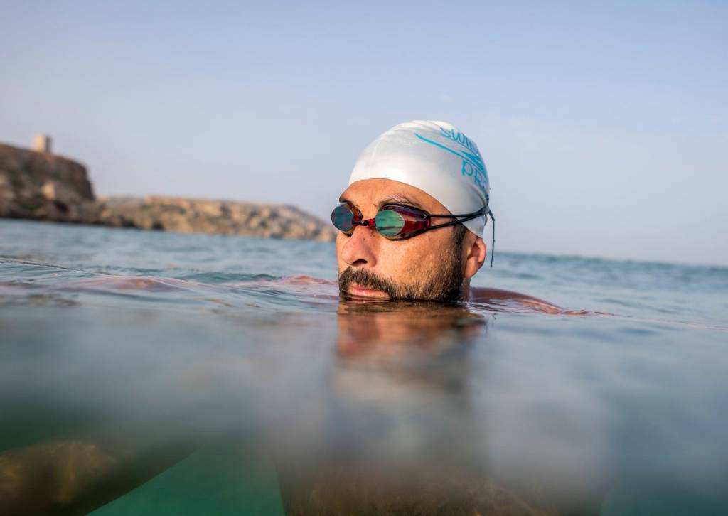 """Watch: """"If I can swim for 33 hours, you can spend 3 minutes on a cleanup!"""" – Neil Agius"""